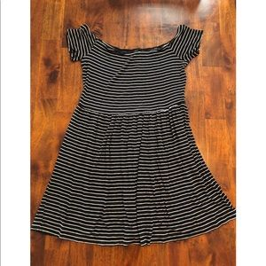 American Eagle Outfitters Dresses - American Eagle Black & White Stripped Dress Large